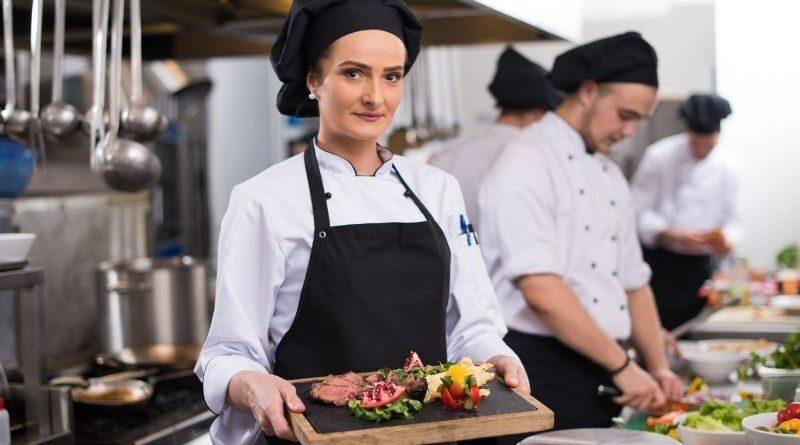 Tre kostnader att analysera om du äger en restaurang företagsforumet
