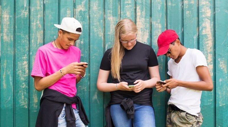Personuppgifter och kontrollera ålder på unga användare företagsforumet